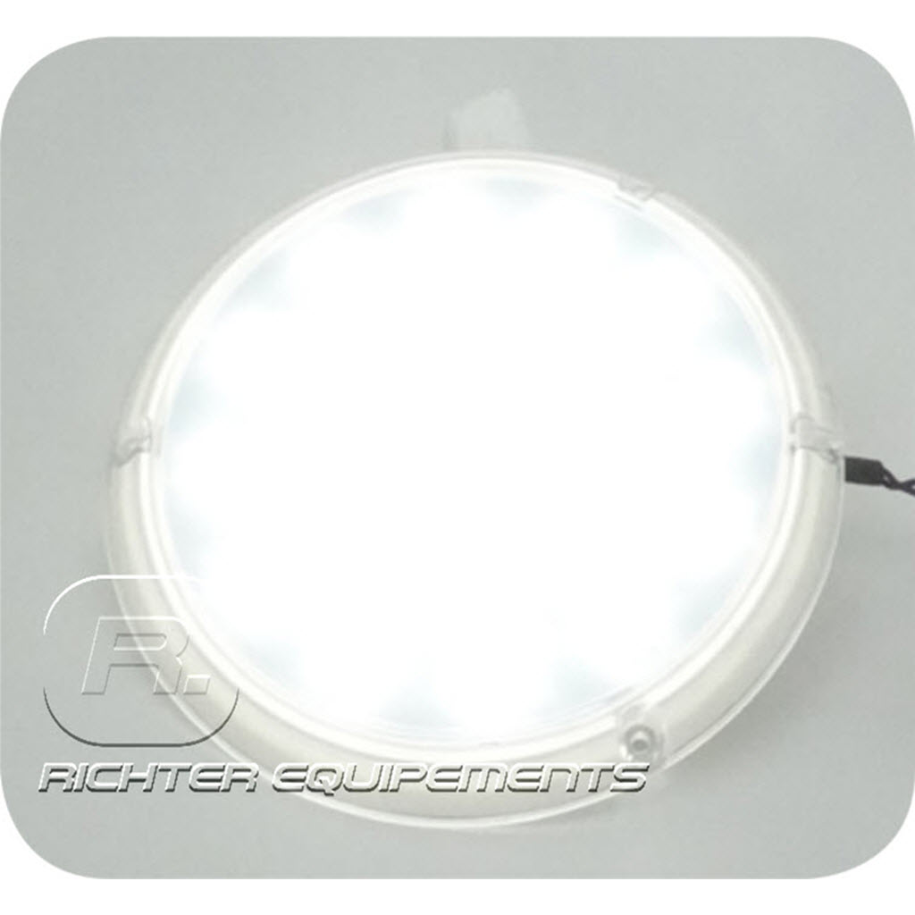 Plafonnier LED 12v 1300 lumens allumé gros plan